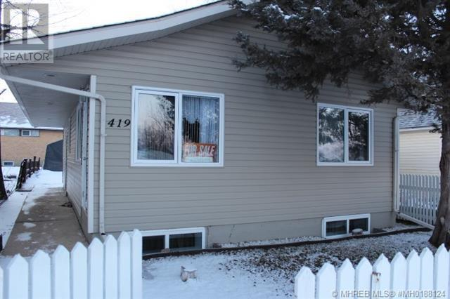 419 1 Street W, bow island, Alberta