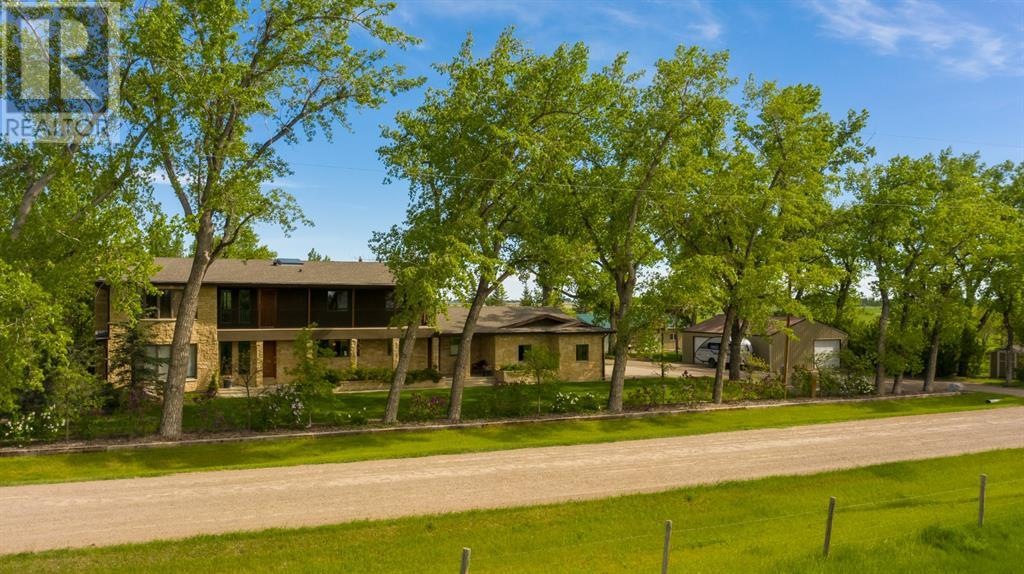 211080 Twp Rd 84-B, Rural Lethbridge County, Alberta  T1J 4K4 - Photo 1 - LD0189841