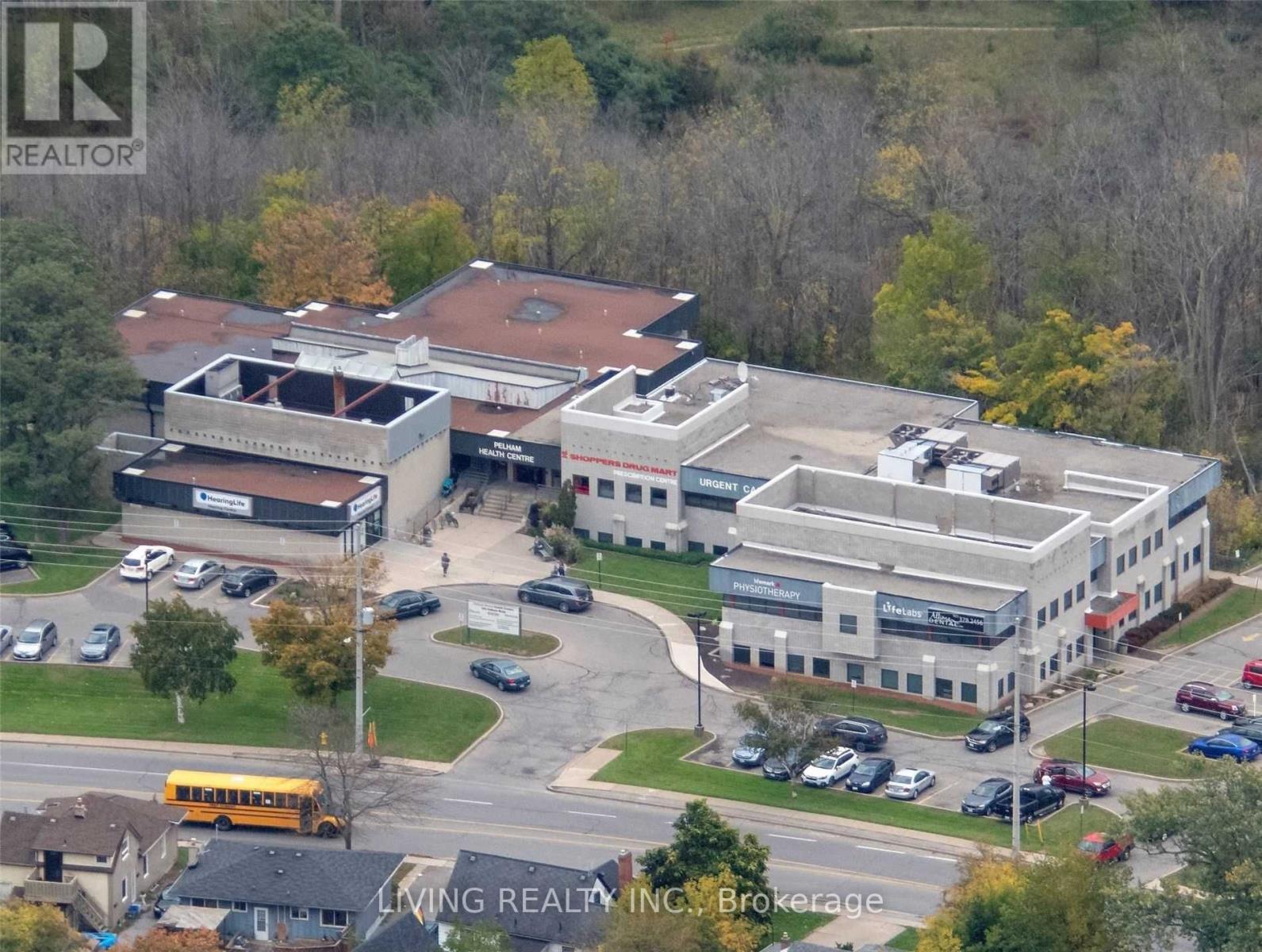 #104 -245 Pelham Rd, St. Catharines, Ontario  L2S 1X8 - Photo 1 - X4945761