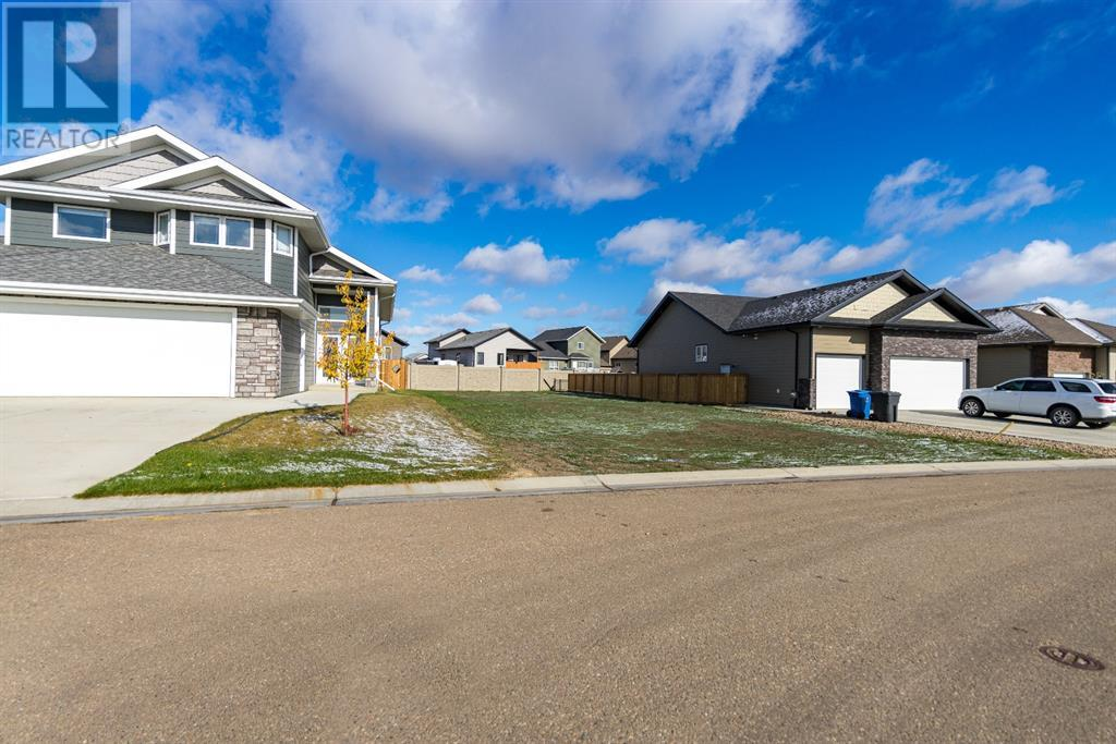 4, 2715 73 Avenue, Lloydminster, Alberta  T9V 2V8 - Photo 1 - A1041485