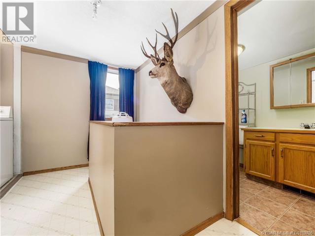 846 Crescent Avenue, Picture Butte, Alberta  T0K 1V0 - Photo 9 - LD0192706