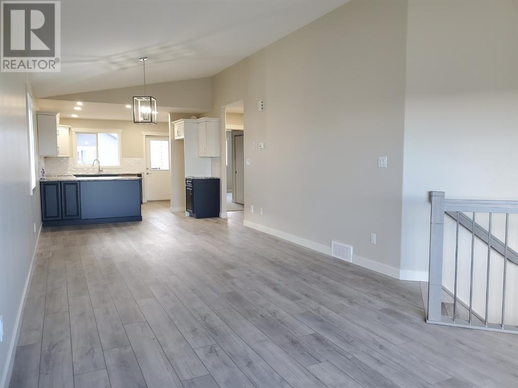 4426 74 Street, Camrose, Alberta  T4V 5C8 - Photo 6 - CA0188867