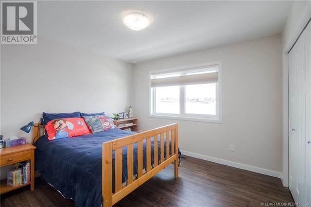 261 Agnes Short Place N, Lethbridge, Alberta  T1H 7G4 - Photo 38 - LD0189833