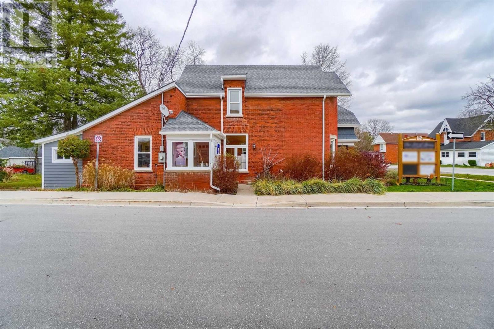 12 Mill St E, New Tecumseth, Ontario  L0G 1W0 - Photo 5 - N4993761
