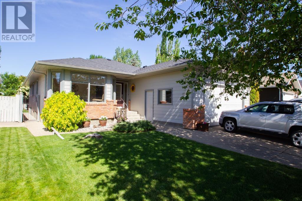 1230 Great Lakes Place S, Lethbridge, Alberta  T1K 6R6 - Photo 2 - LD0192577