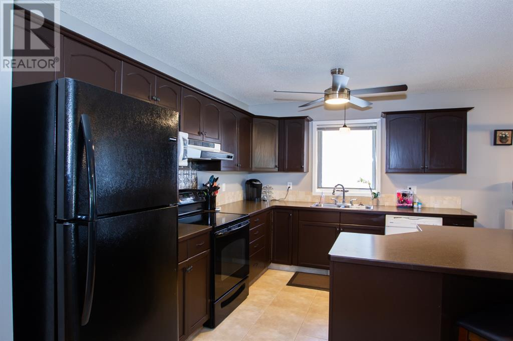 1230 Great Lakes Place S, Lethbridge, Alberta  T1K 6R6 - Photo 6 - LD0192577