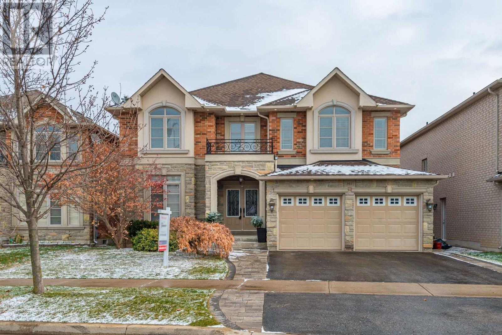 303 Iredale Rd, Richmond Hill, Ontario  L4C 4L6 - Photo 2 - N4996615