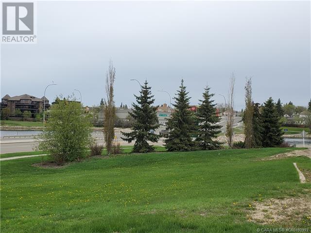 5403 48 Avenue, Camrose, Alberta  T4V 0J6 - Photo 3 - CA0193993