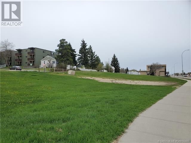 5403 48 Avenue, Camrose, Alberta  T4V 0J6 - Photo 5 - CA0193993