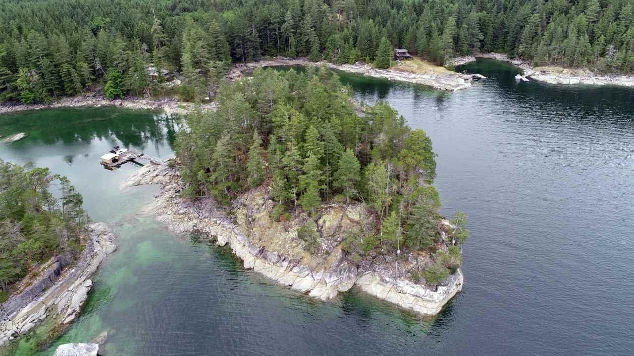 Dragonfly Island, Sechelt, British Columbia  V0V 0V0 - Photo 2 - R2382054