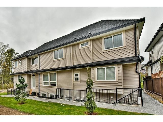 14500 59a Avenue, Surrey, British Columbia  V3S 7B5 - Photo 2 - R2428396