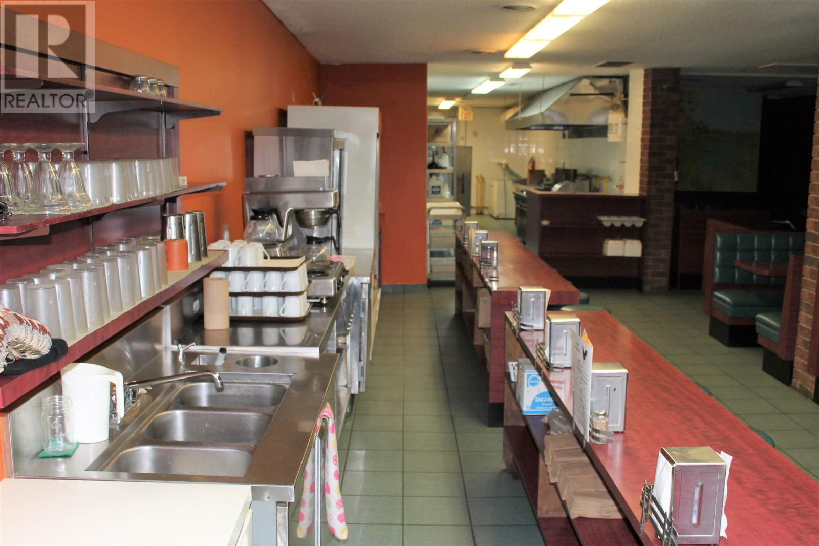 61 Dundas St E, Napanee, Ontario  K7R 1H7 - Photo 2 - K21000002