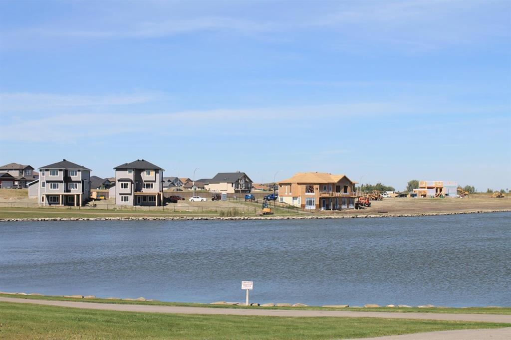 19 Lakes Estates  Circle, Strathmore, Alberta  T1P 0B7 - Photo 4 - A1028408