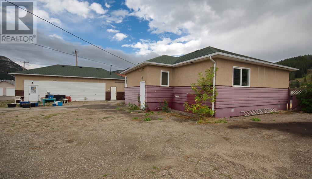12161 20 Avenue, Blairmore, Alberta  T0K 0E0 - Photo 29 - A1030553