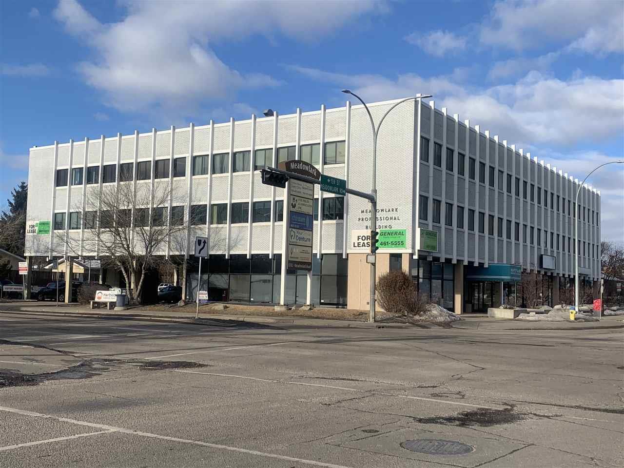 8702 Meadowlark Rd Nw Nw, Edmonton, Alberta  T5R 5W4 - Photo 1 - E4231297
