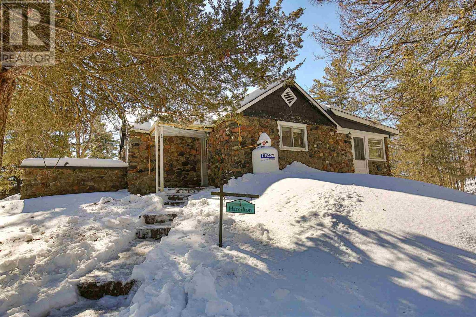 2585 Bolingbroke Rd, Tay Valley Twp, Ontario  K0H 2B0 - Photo 33 - K21001120