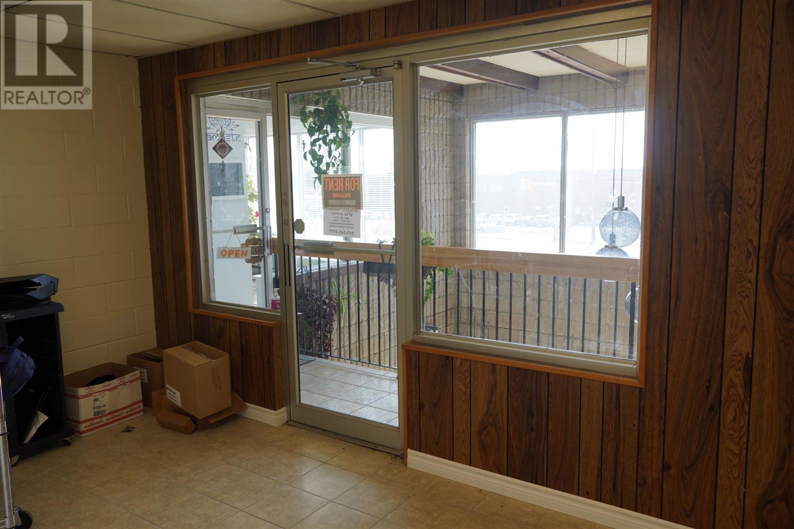1786 Bath Rd # 12, Kingston, Ontario  K7M 4Y2 - Photo 2 - K21001226