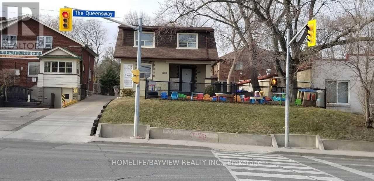 600 The Queensway, Toronto, Ontario  M8Y 1K1 - Photo 1 - W5162620