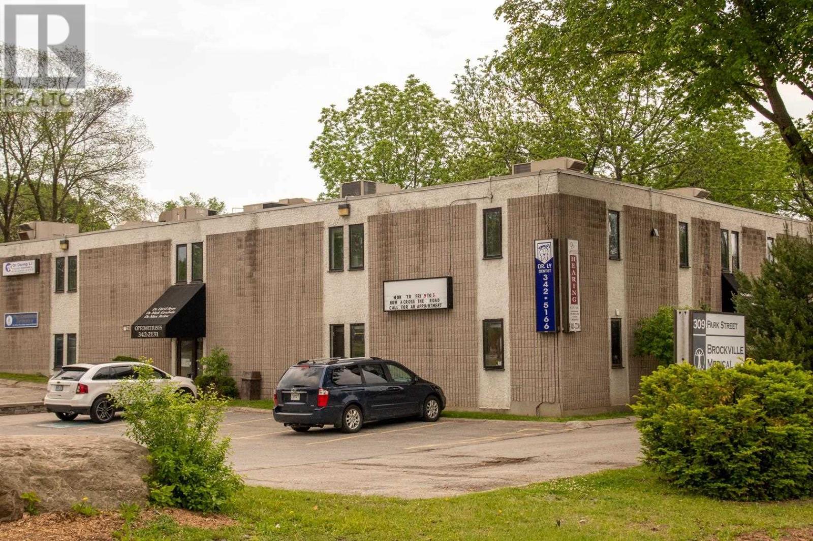309 Park St # 101, Brockville, Ontario  K6V 6E5 - Photo 1 - K21000939