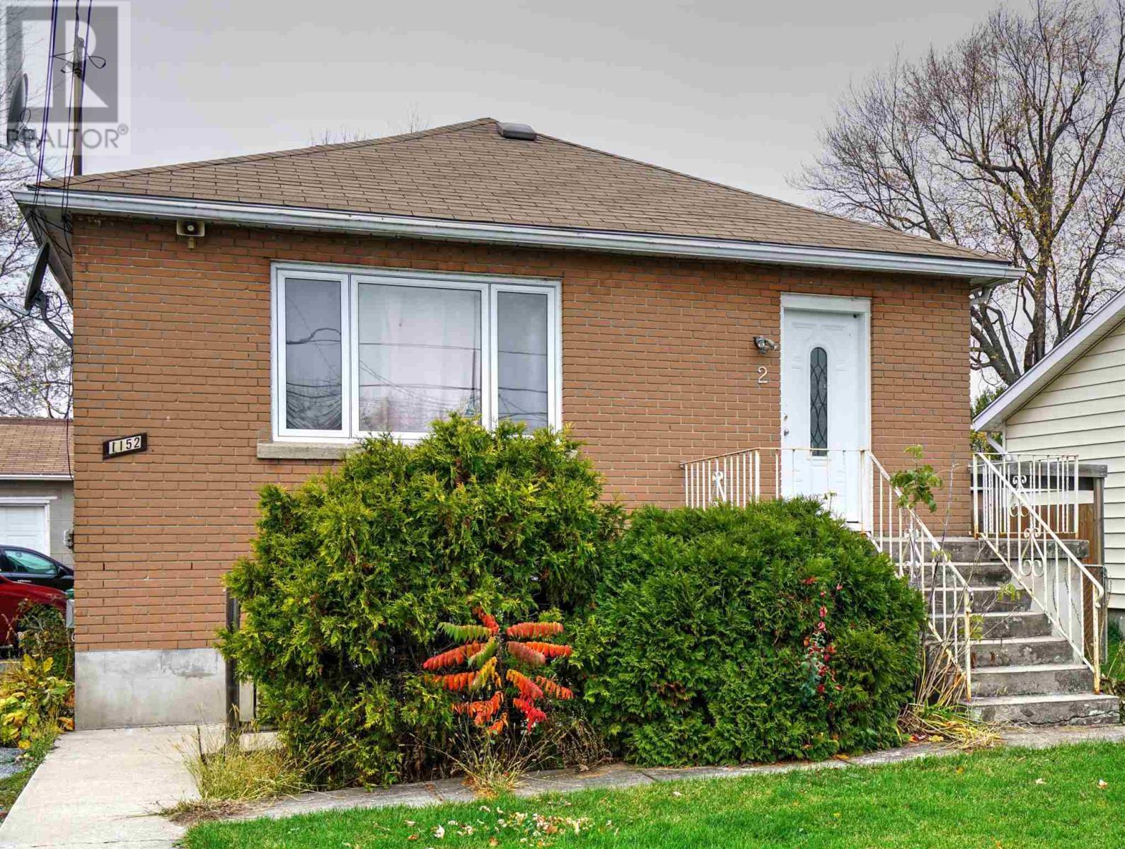 1152 Montreal St, Kingston, Ontario  K7K 3K7 - Photo 1 - K21001448