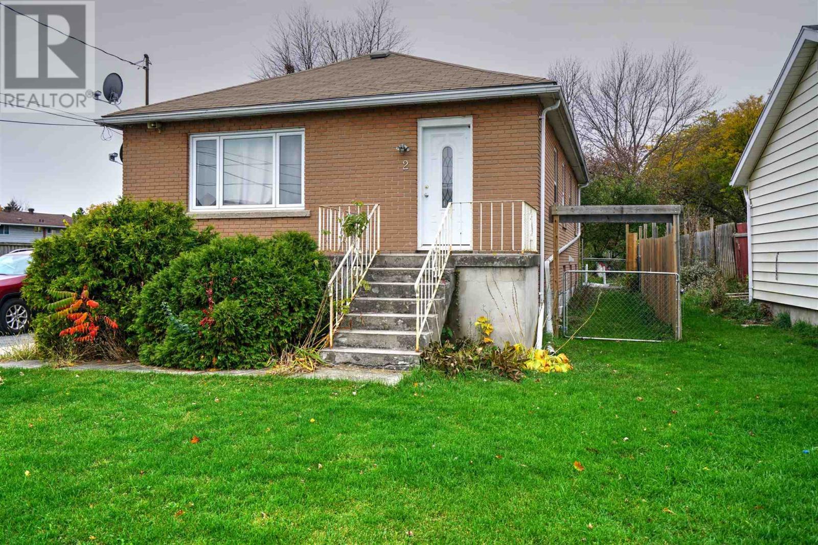 1152 Montreal St, Kingston, Ontario  K7K 3K7 - Photo 2 - K21001448