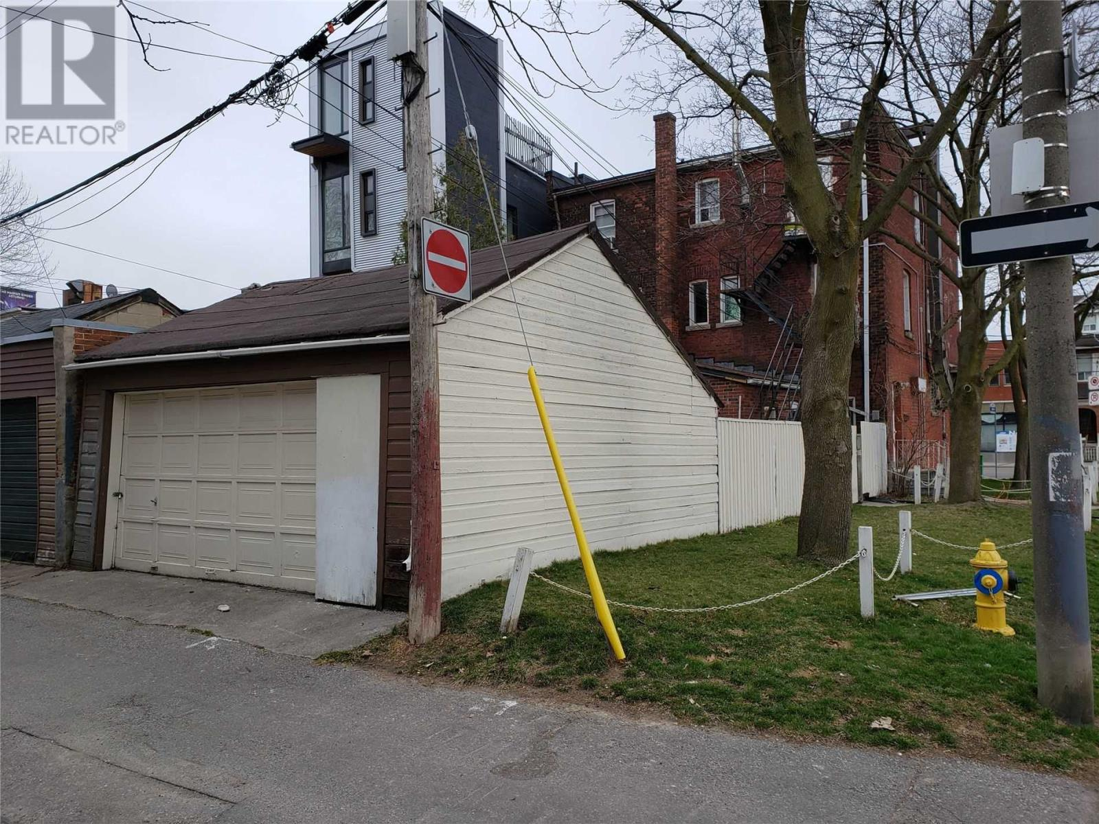 1618 Queen St W, Toronto, Ontario  M6R 1A8 - Photo 3 - W5178401