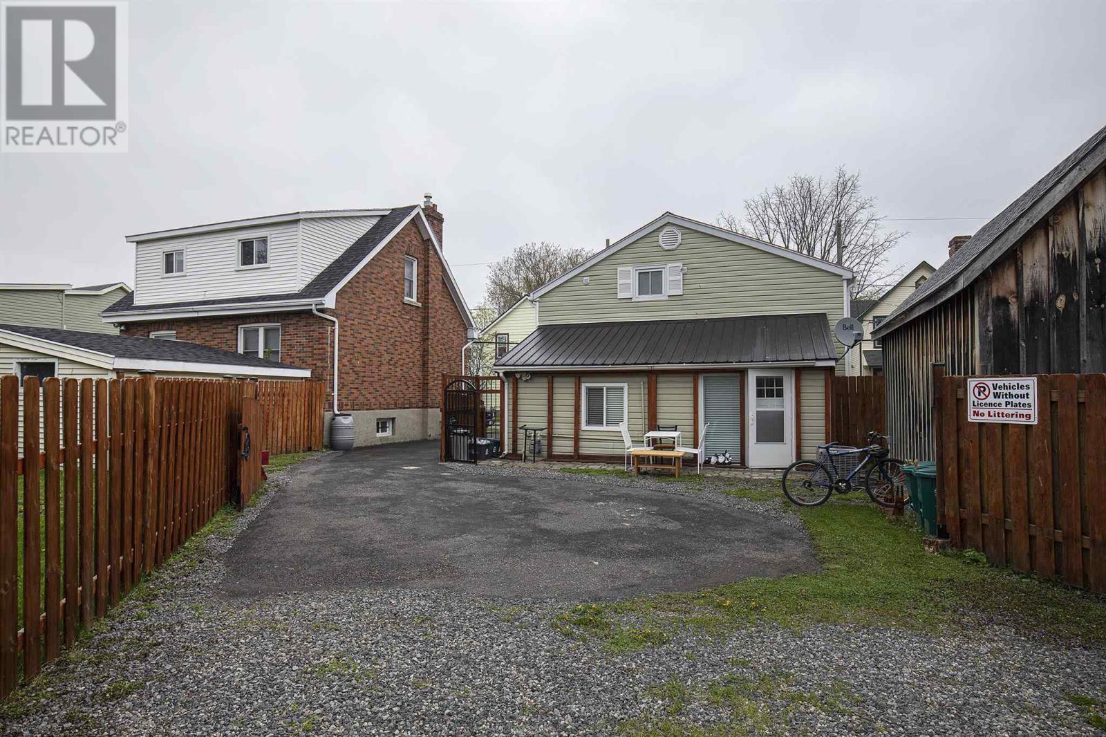 40 Elm St, Kingston, Ontario  K7K 1M9 - Photo 2 - K21001743