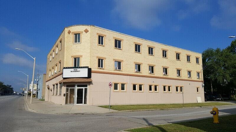 101~326 2998 Tecumseh Road E, Windsor, Ontario  N8W 1G5 - Photo 1 - H4104487