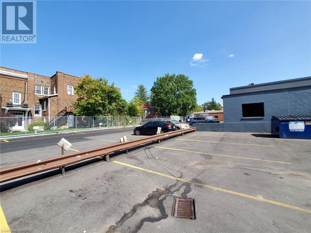 168 Ontario Street, Stratford, Ontario  N5A 3H4 - Photo 5 - 30798509