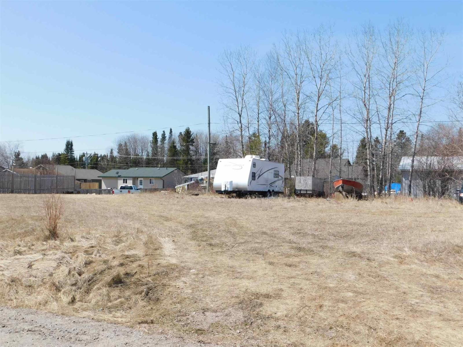 19 Oak St, Ear Falls, Ontario  P0V 1T0 - Photo 2 - TB211108