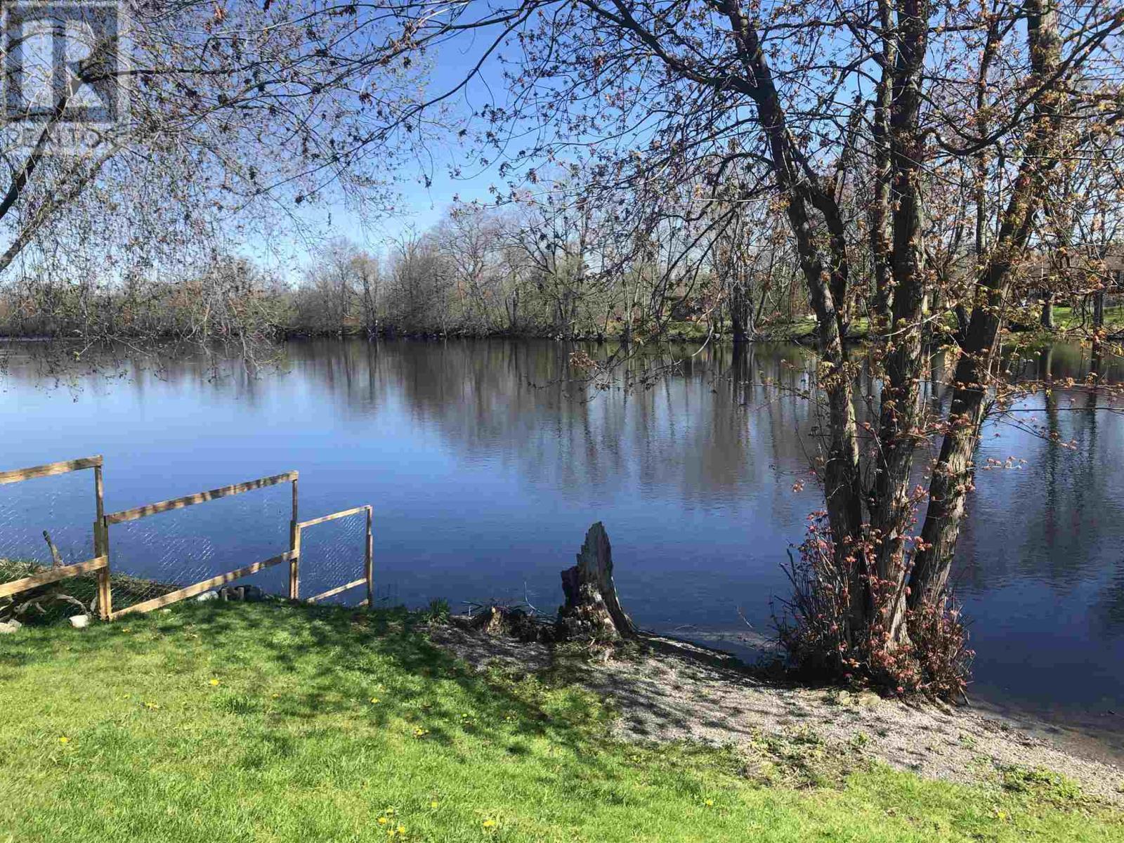 238 Ashley St, Foxboro, Ontario  K0K 2B0 - Photo 3 - K21002084