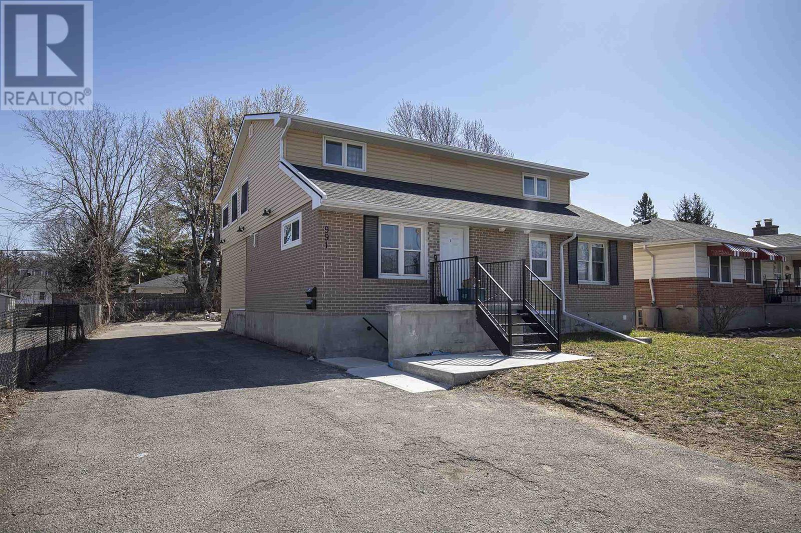 991 Portsmouth Ave, Kingston, Ontario  K7M 1X2 - Photo 2 - K21000495