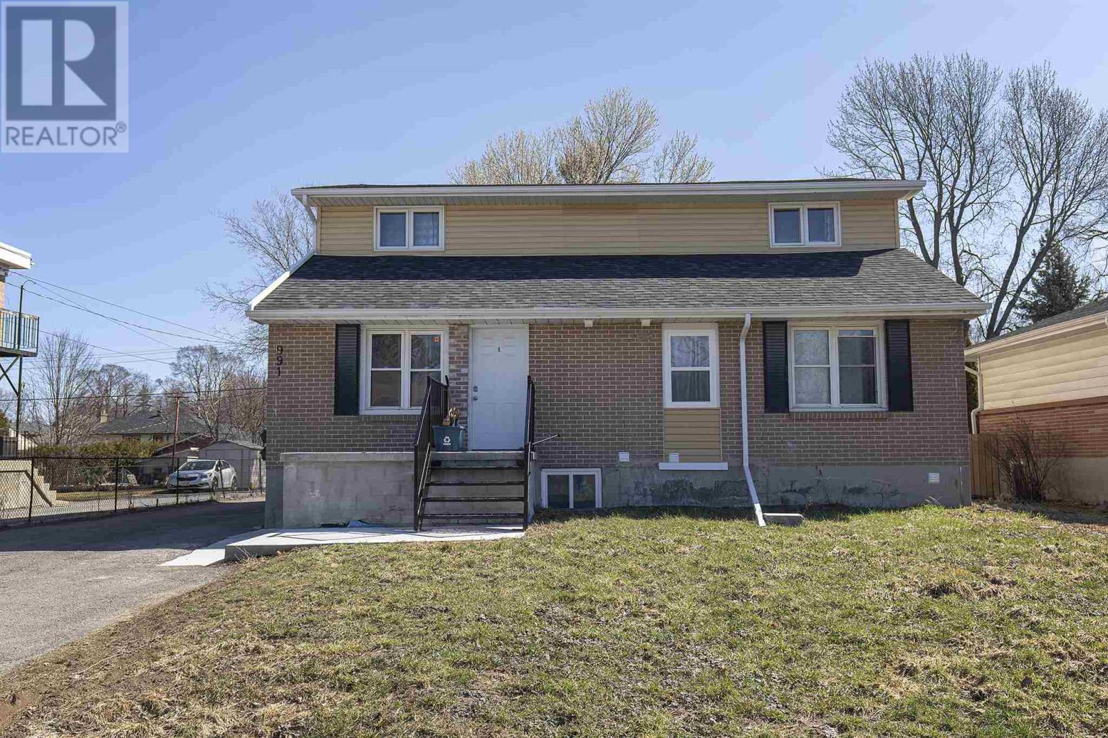 Portsmouth Avenue, Kingston, Ontario K7M1X2, ,Multi-family,For Sale,Portsmouth,K21001925