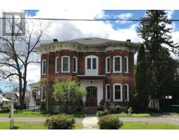 194 Centre ST N, greater napanee, Ontario
