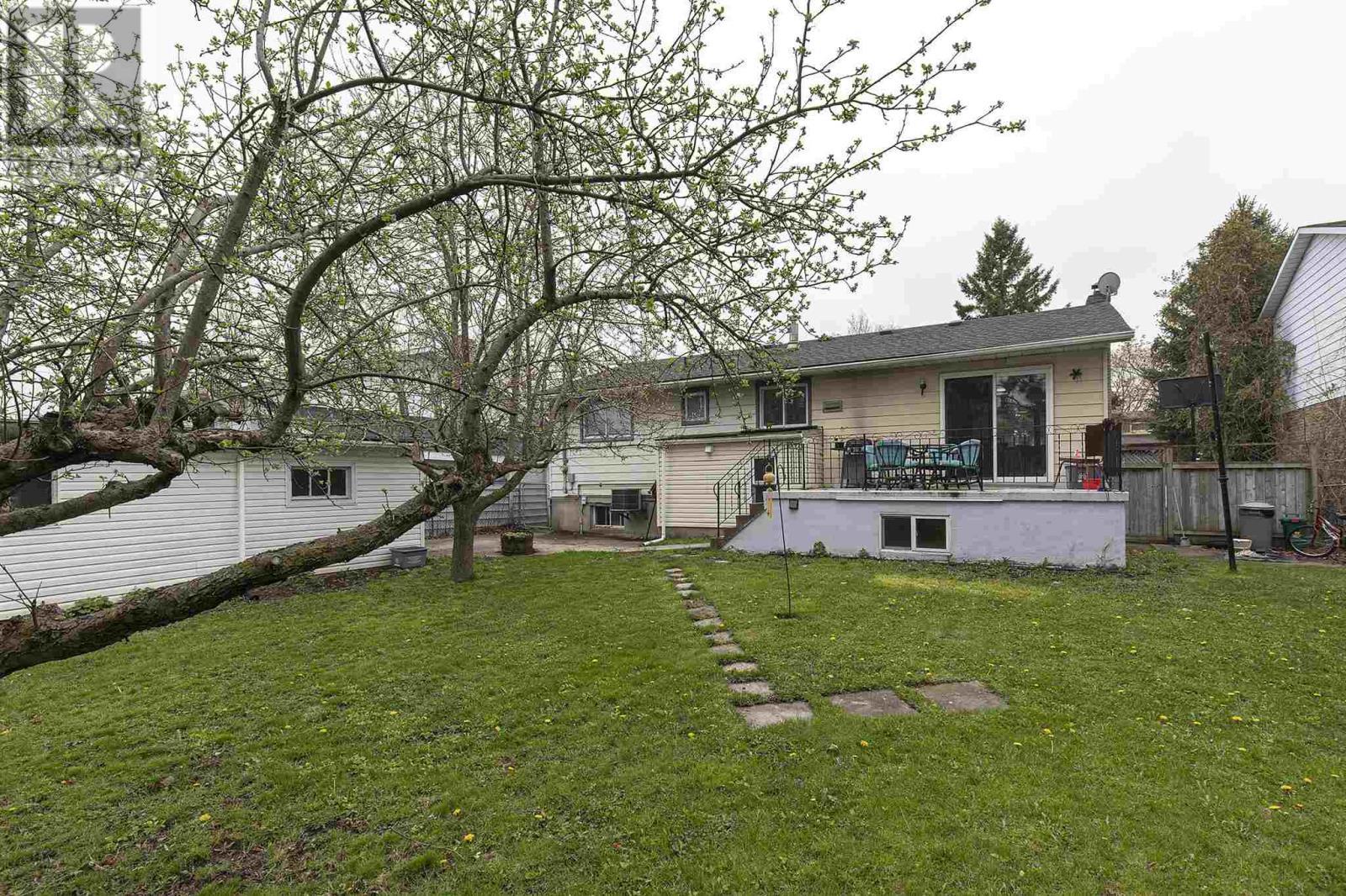15 Newcourt Pl, Kingston, Ontario  K7M 6Y1 - Photo 15 - K21002792
