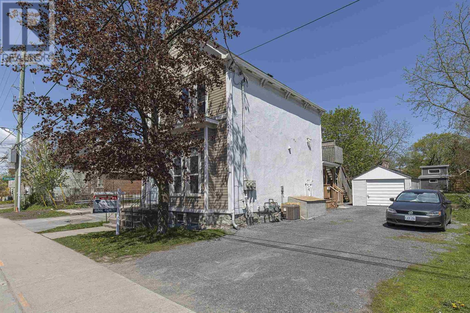 381 Division St, Kingston, Ontario  K7K 4A6 - Photo 3 - K21003134