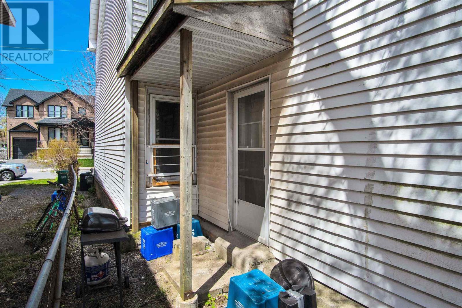 221-223-225 Collingwood St, Kingston, Ontario  K7L 3X7 - Photo 27 - K21002799