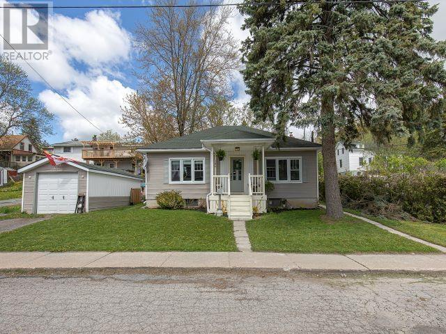 189 Water St W, Greater Napanee, Ontario  K7R 1W5 - Photo 1 - K21003247