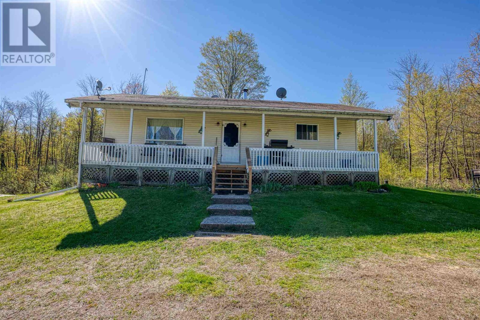 933 Kingston Lin, Lanark Highlands, Ontario  K0H 2B0 - Photo 1 - K21003128