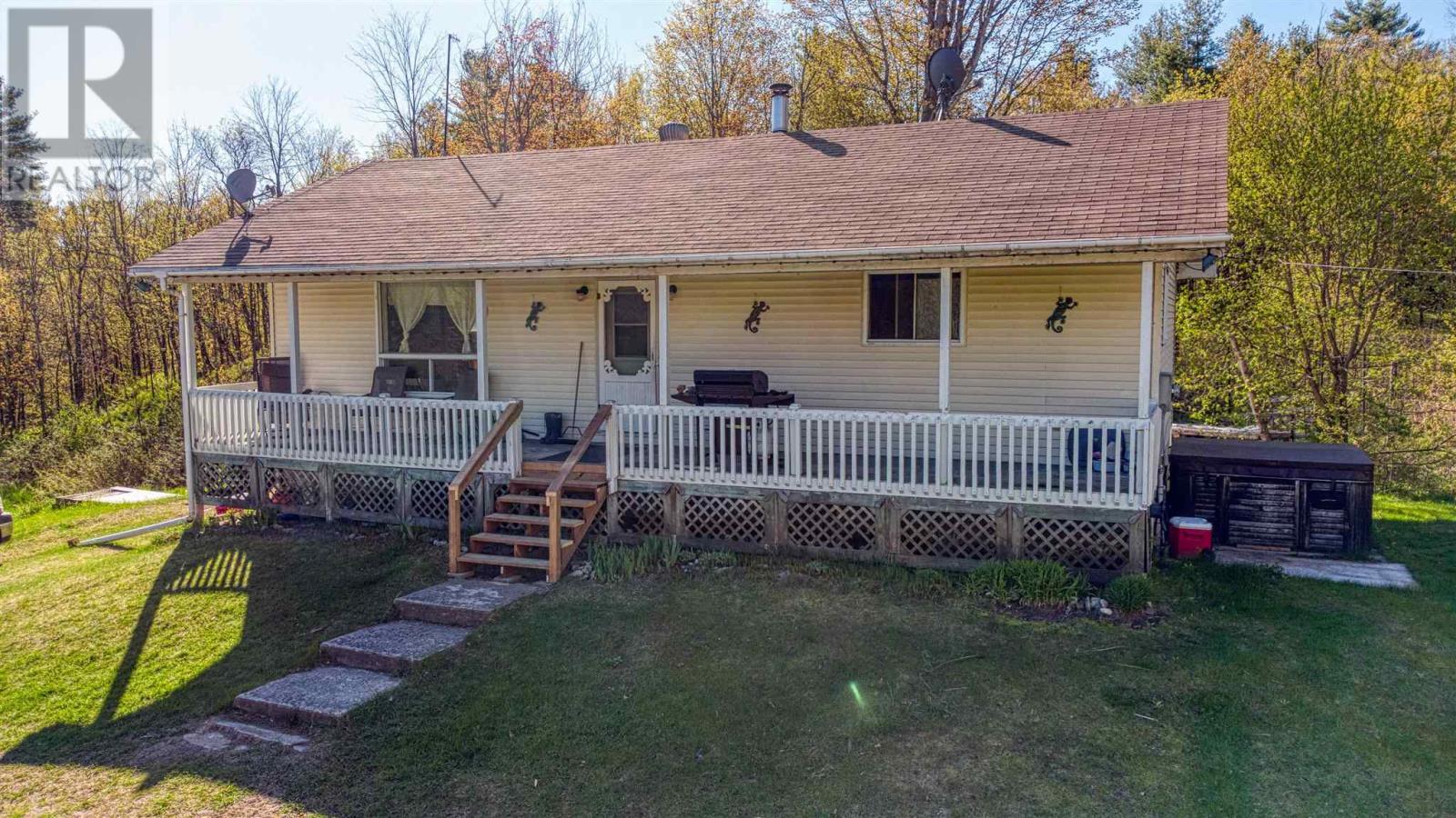 933 Kingston Lin, Lanark Highlands, Ontario  K0H 2B0 - Photo 3 - K21003128
