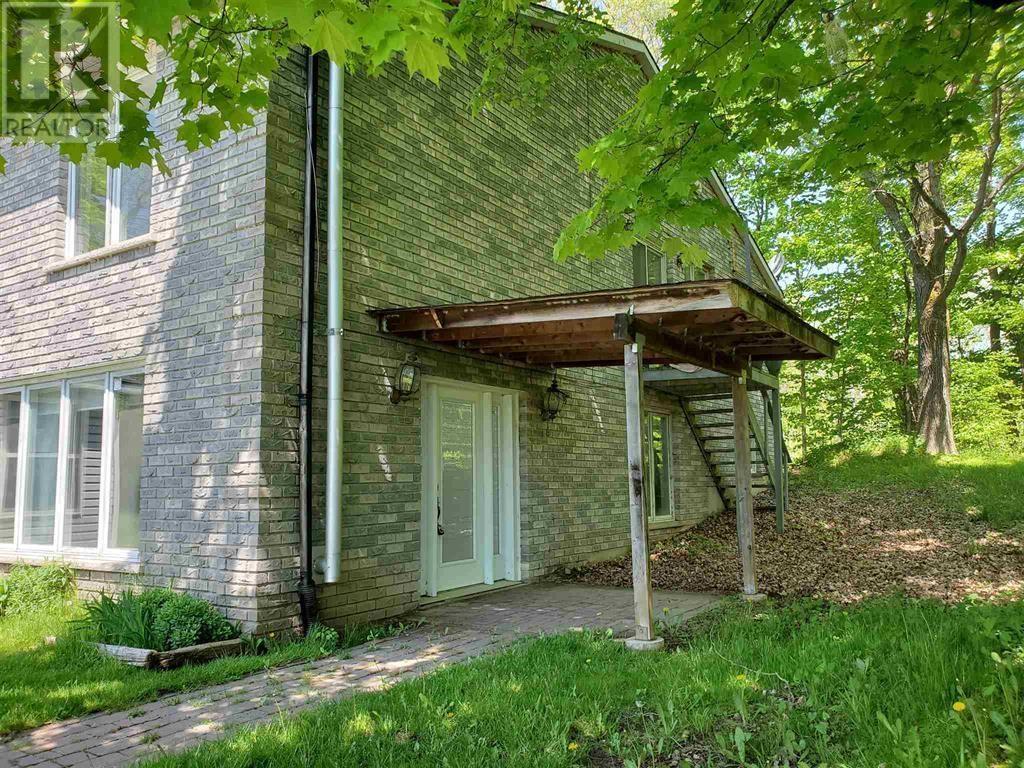 53 Westport Rd, Godfrey, Ontario  K0H 1T0 - Photo 3 - K21003236
