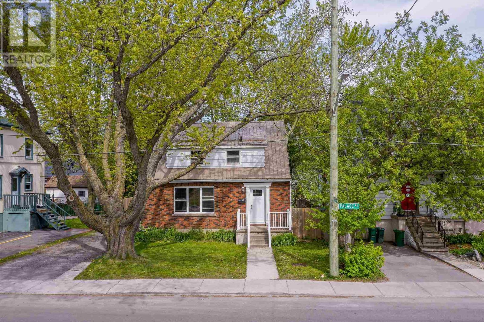 425 Palace Rd, Kingston, Ontario  K7L 4T5 - Photo 2 - K21003248