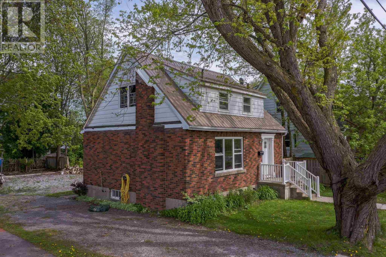 425 Palace Rd, Kingston, Ontario  K7L 4T5 - Photo 3 - K21003248