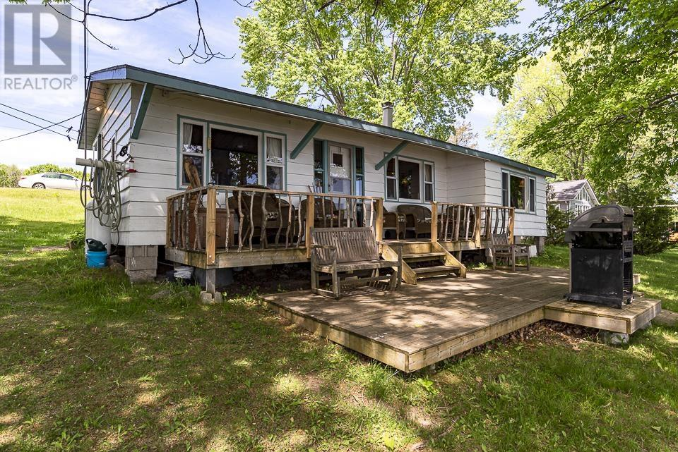 32 Quinte View Rd, Greater Napanee, Ontario  K0H 1G0 - Photo 1 - K21003545