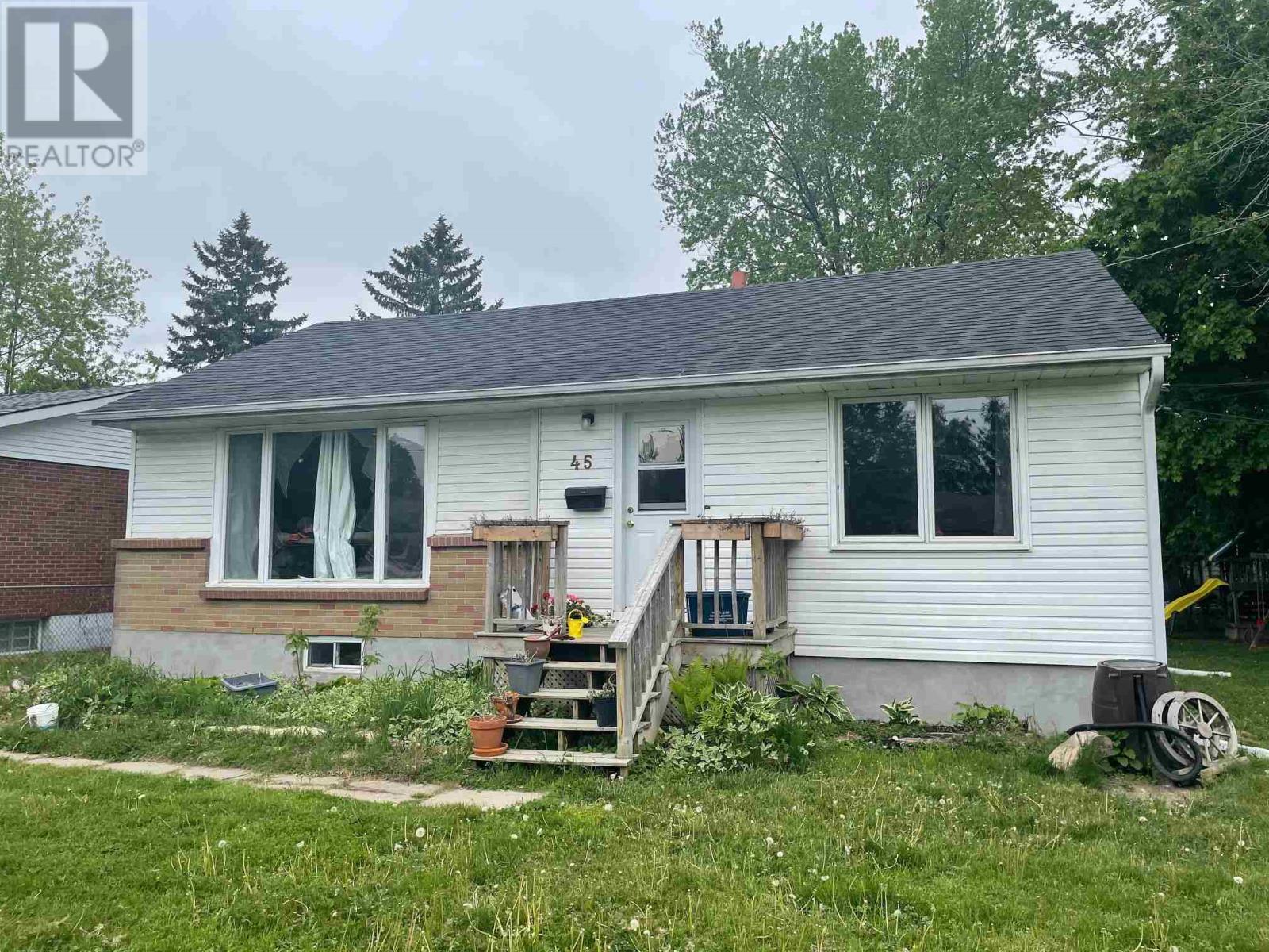 45 Evelyn St, Kingston, Ontario  K7M 4R8 - Photo 1 - K21003565