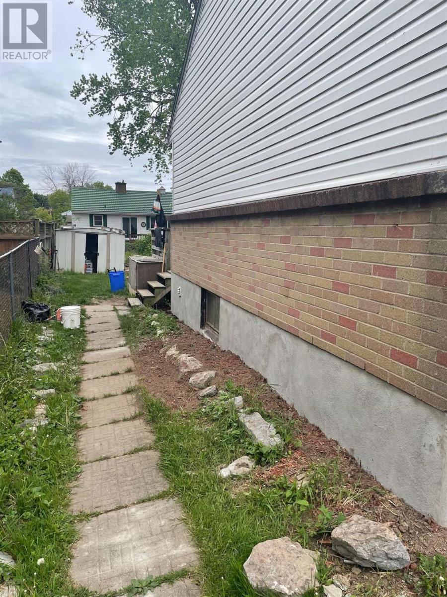 45 Evelyn St, Kingston, Ontario  K7M 4R8 - Photo 13 - K21003565