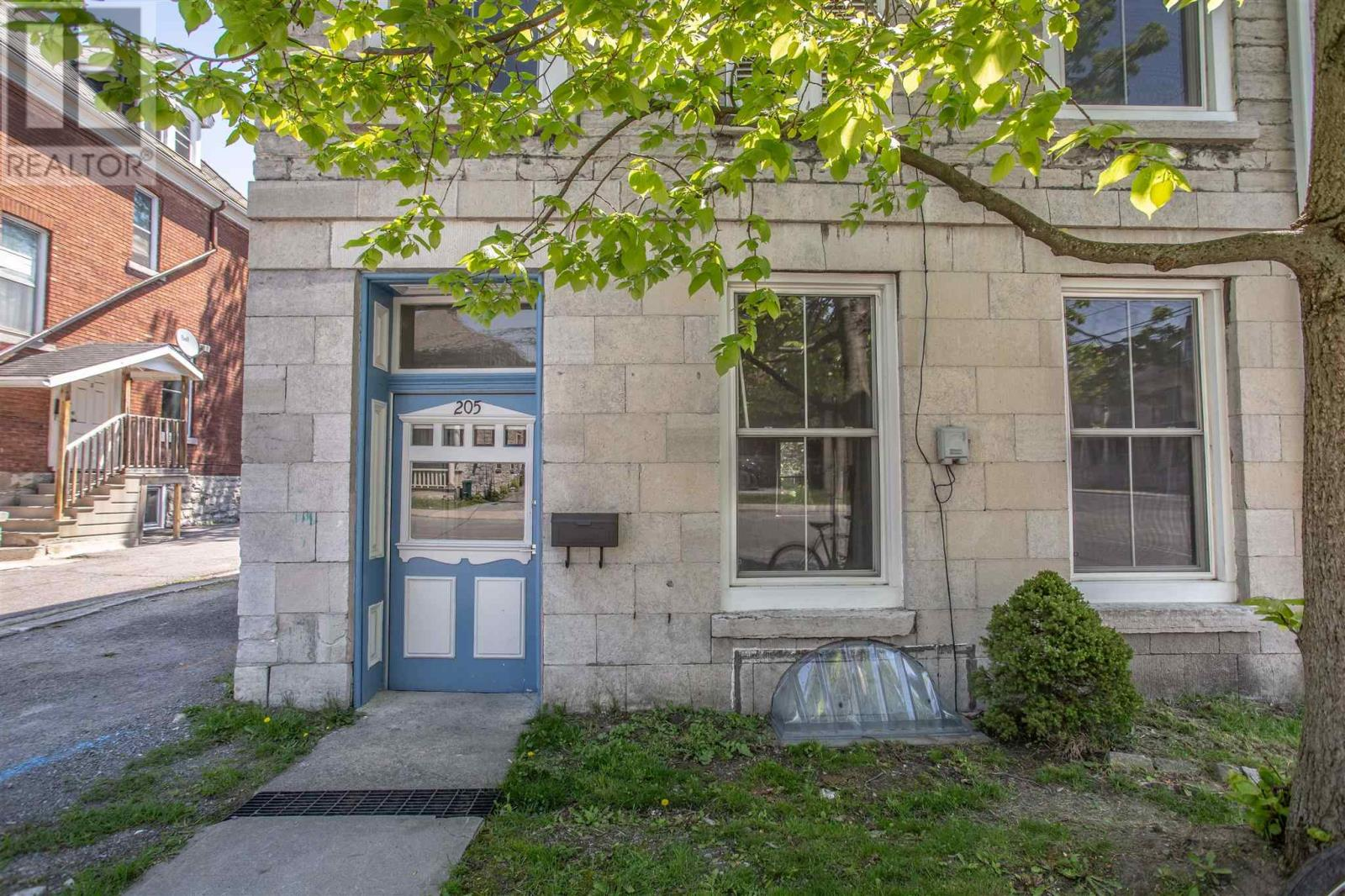 205 Sydenham St, Kingston, Ontario  K7K 3M3 - Photo 4 - K21003381