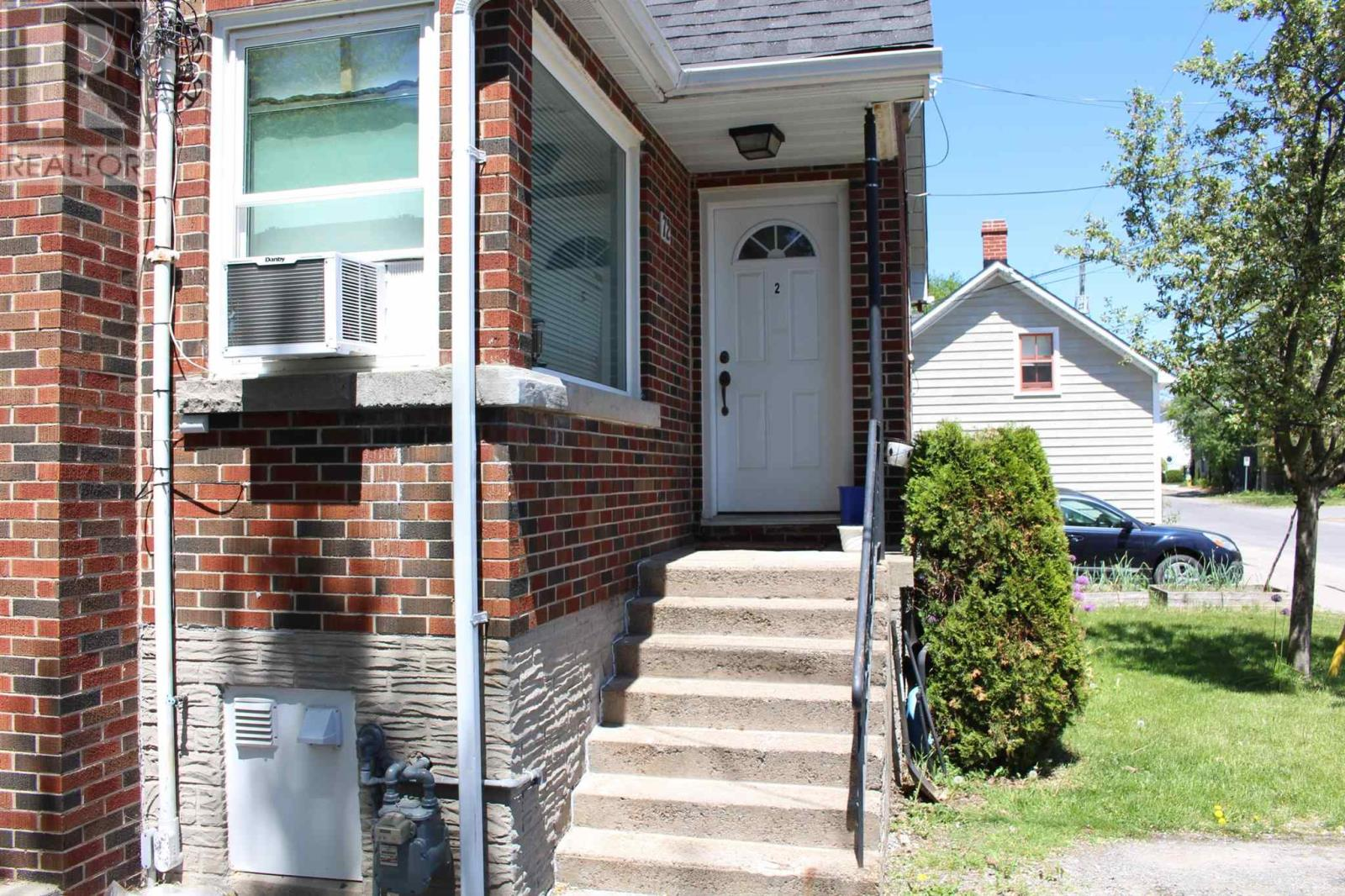 72 Mowat Ave, Kingston, Ontario  K7M 1J9 - Photo 3 - K21003328