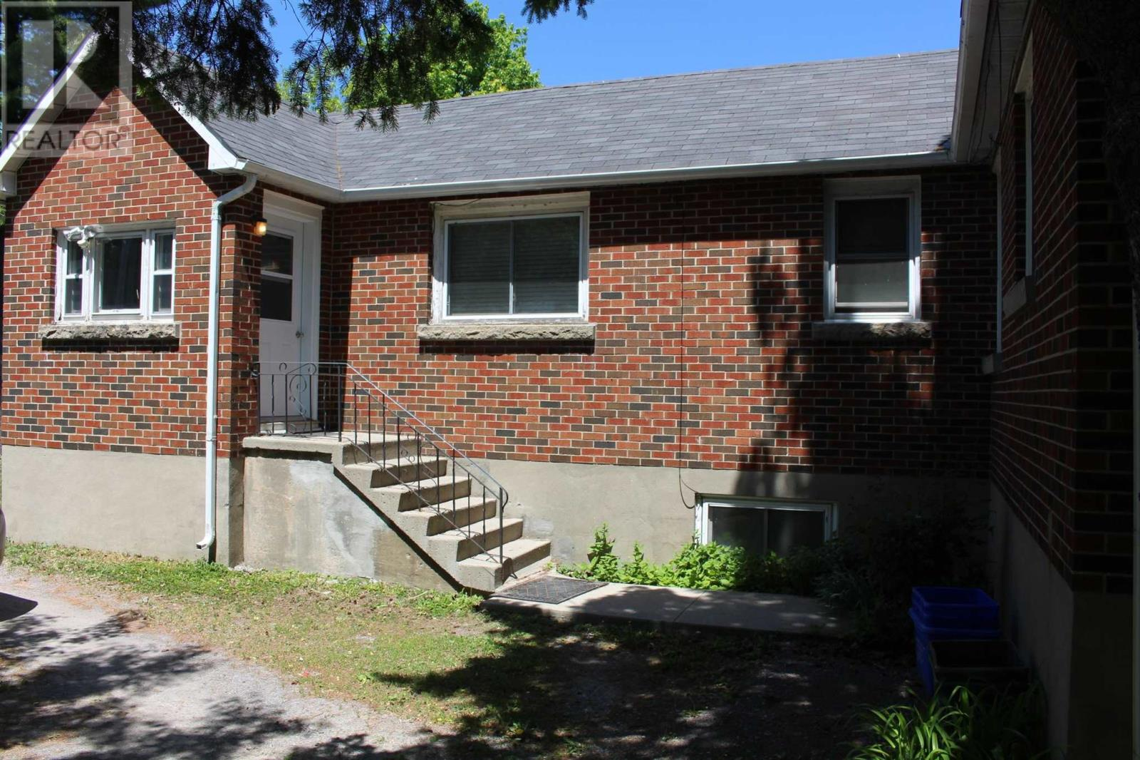 72 Mowat Ave, Kingston, Ontario  K7M 1J9 - Photo 5 - K21003328