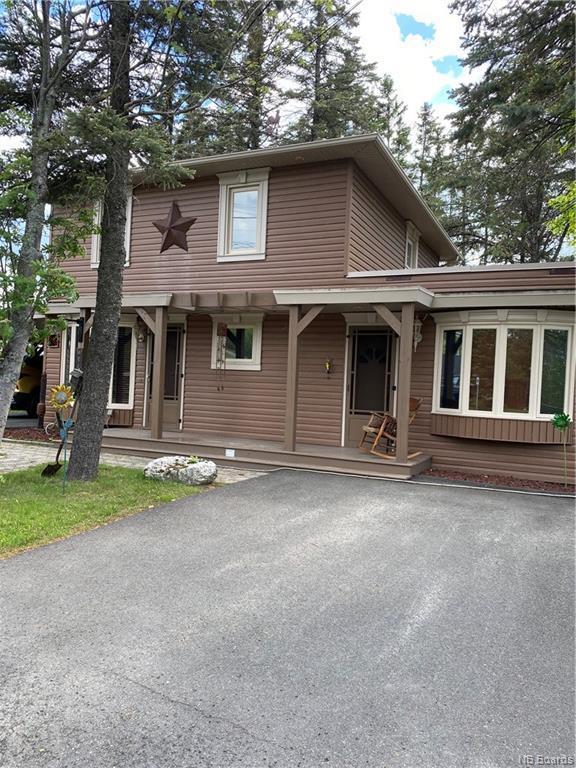 696 Victoria Street, Edmundston, New Brunswick  E3V 2S9 - Photo 2 - NB059108
